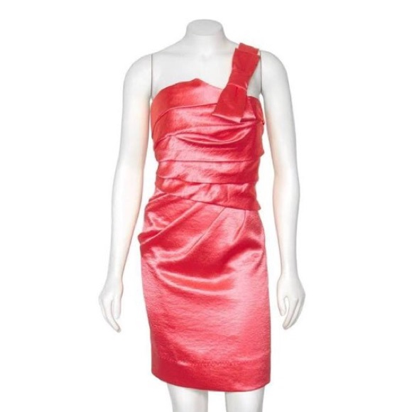 Phoebe Couture Dresses & Skirts - Coral Cocktail Dress size 6 Great Condition!!